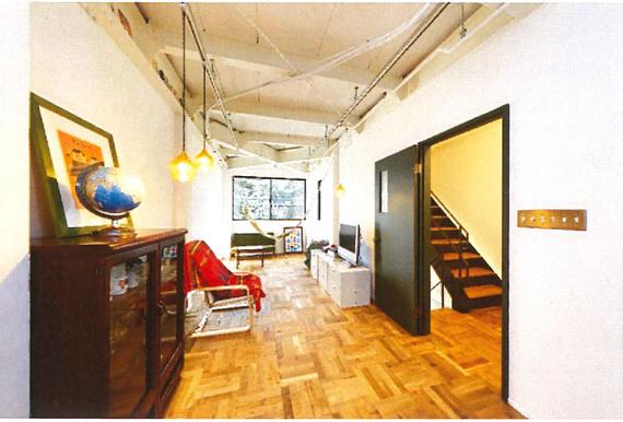 事務所ビルを「我が家」にリノベーション